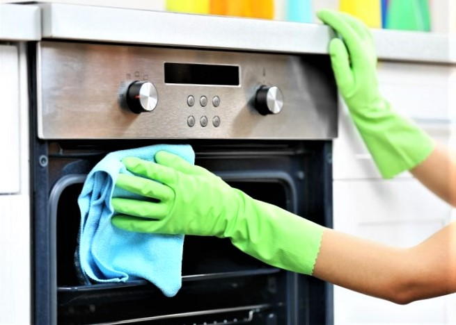 Pulire il forno: con i consigli giusti sarà più facile
