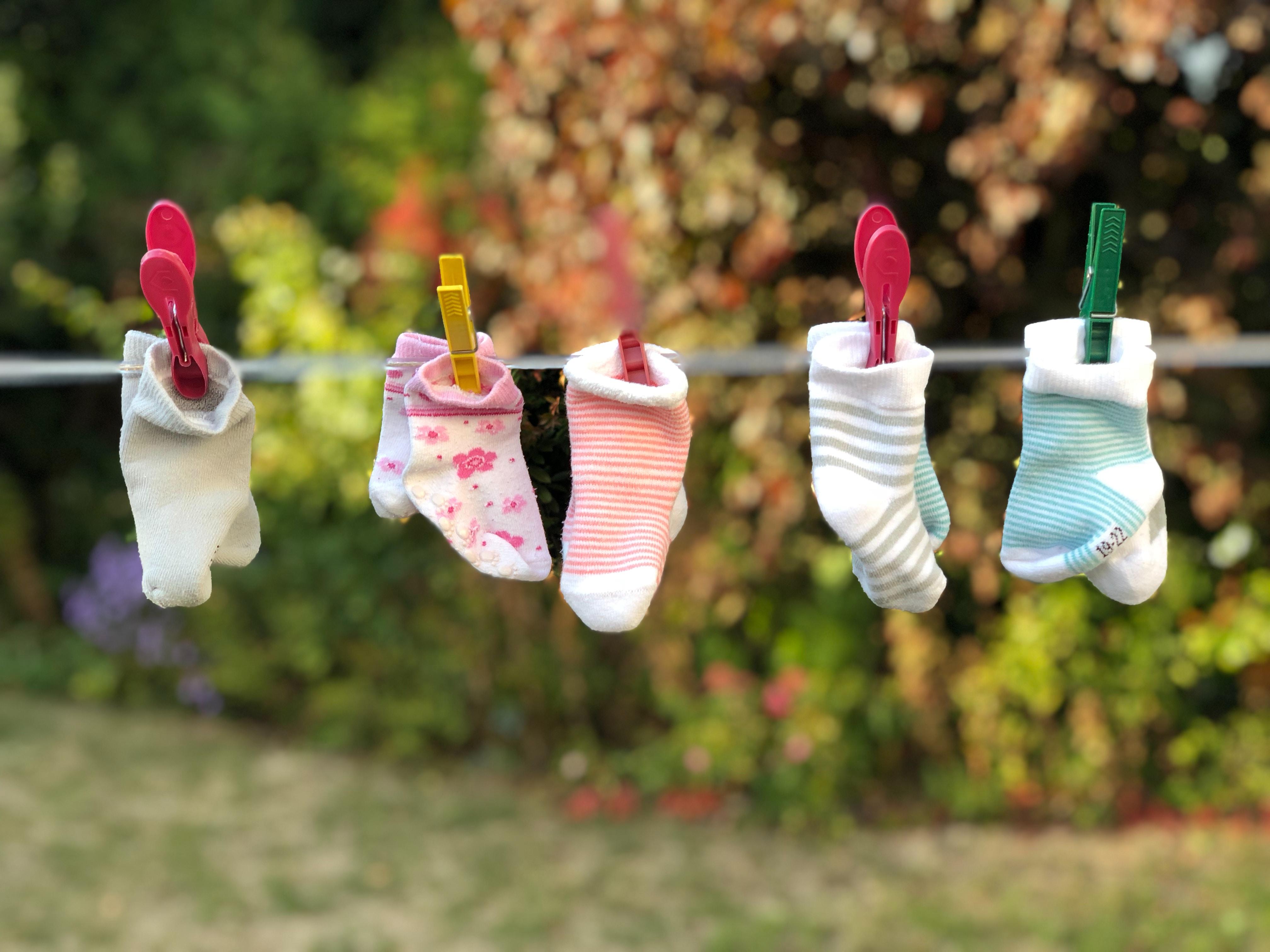 Mistero calzini spaiati: ecco dove vanno a finire